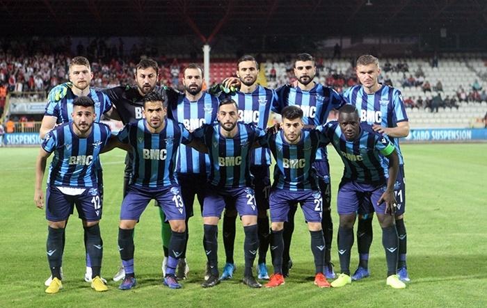 Bursaspor Adana Demirspor Karşılaşmasının İlk Yarısı Sona Erdi